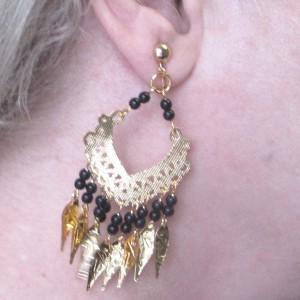 accessories_earrings_goldblackjingly