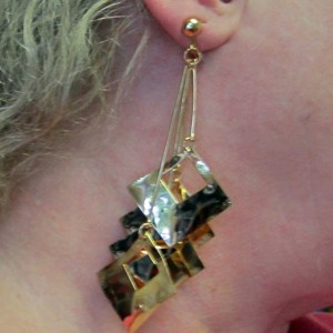 accessories_earrings_goldsquare