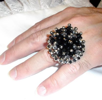 Black Bead Ring