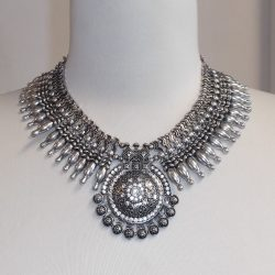 European Necklace or Choker