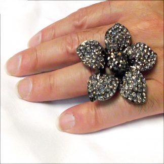 Black Rhinestone Flower Ring