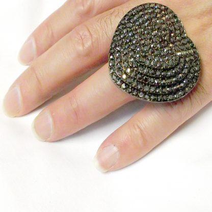 Black Rhinestone Heart Ring