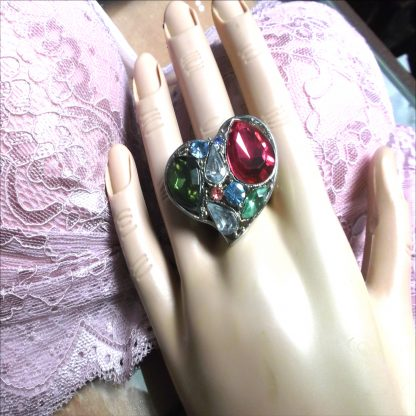Heart Ring with nice jewels
